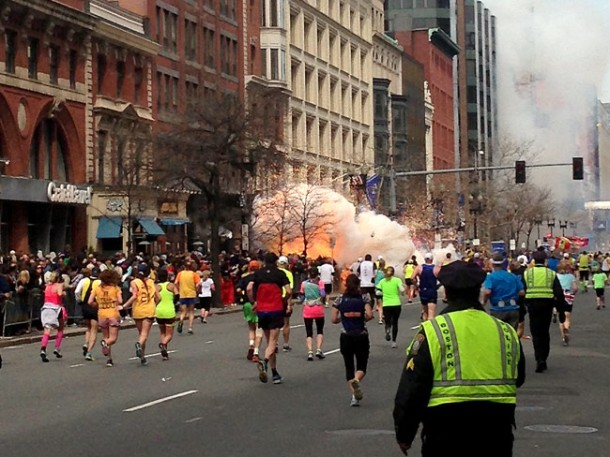 395274-v-graphics-13-beforeandafer-boston-bombings-bomb1b-jpg