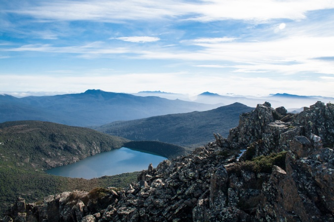hartz-mountain-tasmania-hartz-peak-track-lake